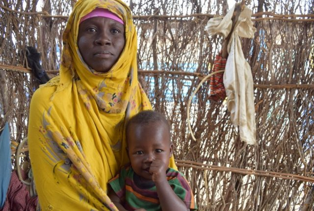 Fadumo è madre di quattro figli piccoli, e da tre anni vive nel campo sfollati di Buulo Yakub, nella regione di Hiran.