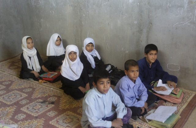 afghanistan-scuola