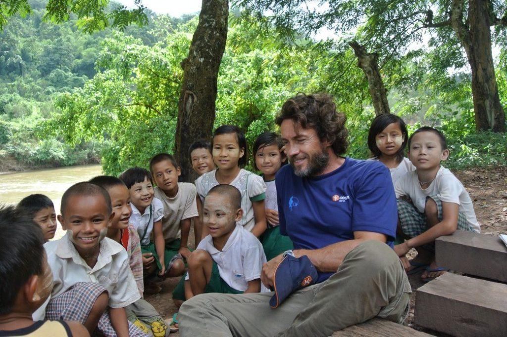 Alessio Boni in Myanmar con Cesvi.